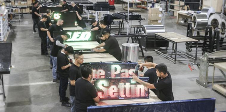 Versa LED scrolling sign station